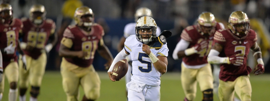 October 24, 2015 Atlanta:  Georgia Tech Yellow Jackets quarterback Justin Thomas in route to a touchdown late in the first half against the Florida State Seminoles Saturday October 24, 2015. BRANT SANDERLIN/BSANDERLIN@AJC.COM
